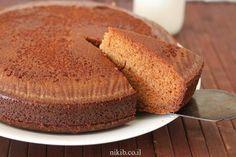 Honey cake, A winning recipe for a wonderful cake. It's super moist and tastes like a real old-fashioned honey cake. Honey Cake, Cornbread, Banana Bread, Cake Recipes, Cooking Recipes, Ethnic Recipes, Easy, Desserts, Cakes