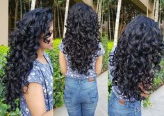 5 ways I Get My Curls to Form Fat Chunky Clumps This is perhaps the most requested post from you all Curly Hair With Bangs, Curly Hair Tips, Curly Hair Care, Short Curly Hair, Hairstyles With Bangs, Curly Hair Styles, Natural Hair Styles, Medium Curly, Hairstyle Men