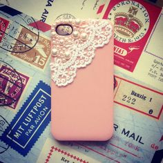 BLUSHING LACE & PEARLS IPHONE CASE