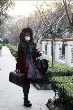 goth lolita. SO KAWAIIII