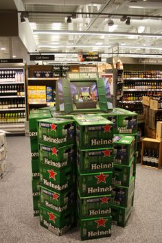 Heineken using #creative #pos to ensure the brand stands out in-store.