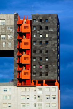 Madrid new architecture - Social housing (MVRDV & B. For more design… Social Housing Architecture, Architecture Design, Amazing Architecture, Contemporary Architecture, Orange Architecture, Architecture Portfolio, Habitat Collectif, Amazing Buildings, Famous Buildings