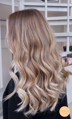 blonde balayage looks Blonde Hair Looks, Brown Blonde Hair, Light Brown Hair, Beige Hair, Blonde Wig, Light Blonde, Hair Color And Cut, Cool Hairstyles, Casual Hairstyles