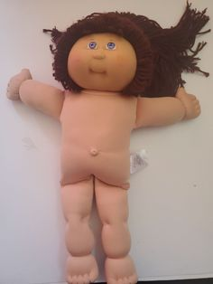 Cabbage girl with long hair 17 inches tall. 25th anniversary- 1978-2018. Cabbage Patch Kids Dolls, 25th Anniversary, Zip Wallet, Kids Toys, Patches, Crochet Hats, Long Hair Styles, Childhood Toys, Knitting Hats