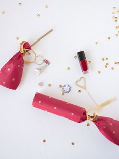 DIY Valentine crackers! Fill 'em with fun stuff and let your Valentine pop them open.