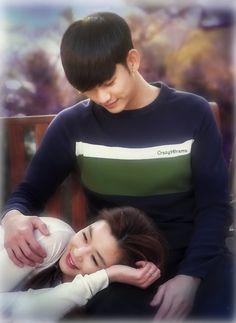 """my love from another star. Reminds me of """"Notting Hill"""" final scene where Julia Roberts is pregnant. My Love From Another Star, I Love You All, Korean Actresses, Korean Actors, Korean Dramas, Live Action, Goblin, Kdrama, Ahn Jae Hyun"""
