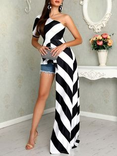 Style:Fashion Pattern Type:Striped Material:Polyester Neckline:Skew Neck Sleeve Style: Short Sleeeve Length:Asymmetric Occasion:Casual Package Include: Blouse Note: There might be diffe. Trend Fashion, Fashion Mode, Fashion Design, Fashion Brands, Fashion 2018, Style Fashion, African Fashion Dresses, African Dress, Dress Outfits