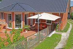 #sonnenschirm #haus #entspannen Mit unseren Sonnenschirmen werden Deine Stunden im Freien zum Genuss.