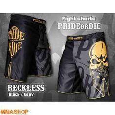 Fightshorts - http://www.mmashop.dk/mma-shorts