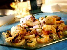 Nesse prato ainda acrescentarias mais mariscos ..mais frutos e não utilizaria  as folhas de louro.