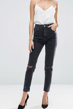 Aesence | Minimal Fashion Ideas for her | Minimalist Wardrobe | Black Jeans by Asos || Simplicity & Minimalism || This is an affiliate link