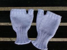 Addicted to Machine Knitting: Fingerless Gloves Machine Knitting Pattern