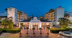 Fachada del hotel anochecer  #h10andaluciaplaza #andaluciaplaza #h10hotels #h10 #hotel10