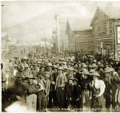 Waiting for mail at Dawson City Post Office. :: Alaska State Library-Historical Collections Collection Name P. Canadian History, American History, Old Pictures, Old Photos, Alaska Highway, Pioneer Day, Gold Prospecting, Going Postal, Gold Rush