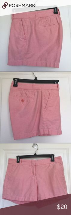 """EUC J.Crew Oxford Short size 6 pink EUC J.Crew Oxford Short size 6 pink. 4.5"""" inseam. Also available NWT lavender and EUC blue (bundle 2+ listings for 20% off and combined shipping!) my all-time favorite shorts, unfortunately they no longer fit. J. Crew Shorts"""