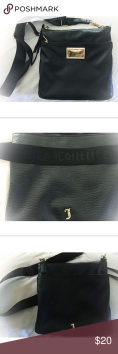 Juicy Couture black and gold cross body purse The straps are perfect condition. Stirdy hold on the straps. It has a zip up pocket, back pocket and pockets on the inside. Overall pretty good condition. Adjustable straps. Comment for any questions! Juicy Couture Bags Crossbody Bags