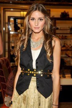 love the gold studded belt + loose waves really soften the look