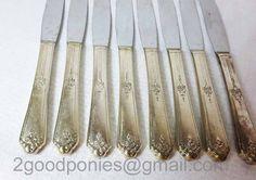 Sweet Briar Knives, Vintage Knife, Set of 8 Knives, Tudor Plate Oneida, Silver Knives Vintage Gifts, Tudor, Knives, Plates, Gift Ideas, Group, Amazing, Board