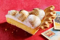 Bought marshmallows make an easy topping for this coconutty version of the classic American Key lime pie. Cream Pie Recipes, Key Lime Pie, Coconut Cream, Pie Dish, A Food, Food Processor Recipes, Sweet Tooth, Sweet Treats, Favorite Recipes