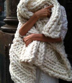 Extra super chunky knit throw
