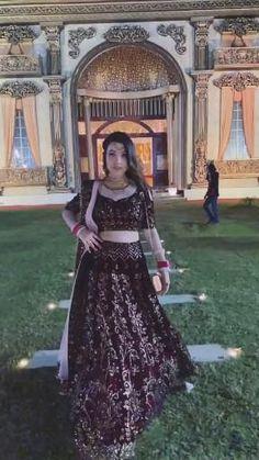 Indian Wedding Songs, Wedding Videos, Indian Weddings, Ball Gowns Prom, Prom Dresses, Fav Vid, Black Glitter Wallpapers, Bird Makeup, Basic Mehndi Designs