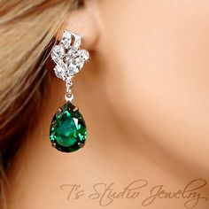 Hey, I found this really awesome Etsy listing at https://www.etsy.com/listing/127971974/emerald-green-bridesmaid-earrings