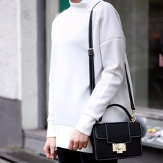 Black & white - always a good idea 🐼 @hielevencom
