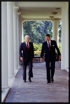 President Ronald Reagan walking and talking with Republican Senator John McCain of Arizona in front of the White House. Photo by Carol M. Highsmith, 1987. Library of Congress Prints and Photographs Division.