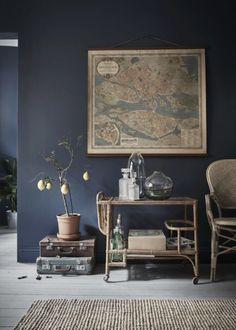 Farrow & Ball Stiffkey Blue, Gravity Home: Tiny Blue Stockholm Apartment Blue Painted Walls, Dark Blue Walls, Dark Living Rooms, Living Room Decor, Dark Rooms, Modern Living, Blue Living Room Walls, Blue Room Decor, Gray Decor