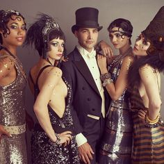 Love this Great Gatsby DIY group Halloween costume idea.