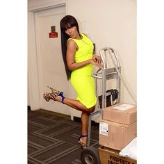Special delivery! Make up : @sisi_nike Hair: @meltondc Photo : @chaunnamichole