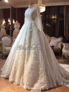 Muslim Wedding Gown, Hijabi Wedding, Hijab Wedding Dresses, Pakistani Bridal Dresses, Wedding Gowns, Prom Dresses, Gorgeous Wedding Dress, Dream Wedding, Bridal Style