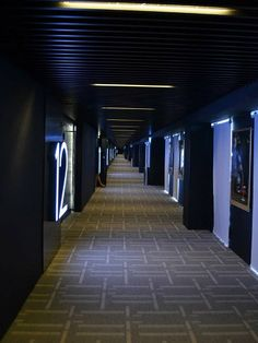 The corridor leading to the 12 halls. At Premium-X Cinemas in One City, USJ!