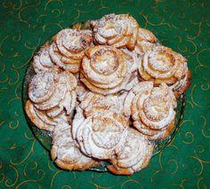 Rózsafánk nem csak farsangra! Mutatós, ízletes finomság a családodnak :) Cookies, Desserts, Recipes, Food, House, Ideas, Tailgate Desserts, Biscuits, Deserts