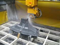 Smart-Cut 800 cuts blocks and slabs into #workpieces