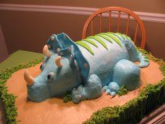 Dinosaur Triceratops Cake (3-Horn)