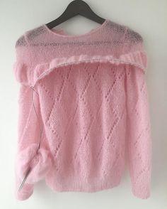 Pastel Shirt, Pastel Outfit, Rose Sweater, Sweater Cardigan, Jumper, Pastel Fashion, Knitted Dolls, Knitting Patterns Free, Knit Dress