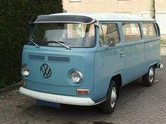VW Bus  T2  met zonneklep  ca 1970
