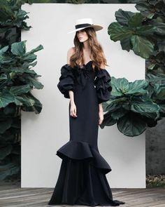 Johanna Ortiz Spring 2016 Ready-to-Wear Fashion Week, Look Fashion, Runway Fashion, High Fashion, Fashion Show, Fashion Design, Fashion Black, Fashion Spring, Gypsy Fashion