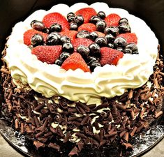 Bake your take on the classic black forest cake and decorate it with chocolate shavings and confectionery chocolate curls. Check out our section of premium quality chocolate decoration: Paleo Dessert, Dessert Recipes, Desserts, Food Cakes, Living Healthy With Chocolate, Yogurt Benefits, Afternoon Tea, Dessert Cookbooks, Chocolate Shavings