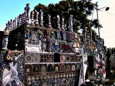 picture of the facade ( Oskar press) Located in the city of Messina, on the isle of Sicily, La Casa del Cavaliere has b. Messina Sicily, Art Sites, Outsider Art, Sicilian, Architecture, Les Oeuvres, Facade, Knight, City Photo