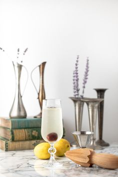 The French 76 cocktail is a delicious riff on a French using vodka in place of the gin. An easy and fun sparkling cocktail! Easy Summer Cocktails, Fruity Cocktails, Winter Cocktails, Christmas Cocktails, Drinks, Champagne Cocktail, Sparkling Wine, How To Make Vodka, Vodka
