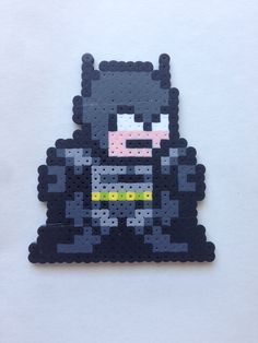 Perler beads JLA Batman by Amy Johnson Castro http://mistertrufa.net/librecreacion/culturarte/?p=12