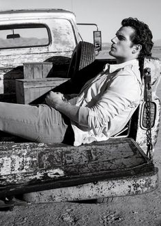 Henry Cavill, Men's Fashion, Actor, Male Model, Good Looking, Beautiful Man, Guy, Handsome, Cute, Hot, Sexy, Eye Candy, Muscle, Hairy Chest, Abs, Six Pack, Fitness, (Superman, Man of Steel, Justice League) ヘンリー・カヴィル 俳優 男性モデル フィットネス (スーパーマン マン・オブ・スティール ジャスティス・リーグ)