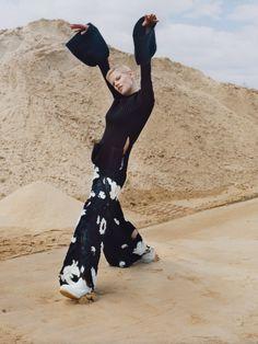 Saskia de Brauw by Harley Weir for Vogue UK November 2015 5