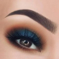 New Years' Eve Makeup Looks as Bold as Your Resolutions 23 + Silvester Make-up sieht so mu Navy Eye Makeup, New Year's Makeup, Skin Makeup, Eyeshadow Makeup, Applying Eyeshadow, Eyeshadows, Makeup For Blue Dress, Natural Makeup, Drugstore Makeup