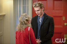 """The Carrie Diaries -- """"The Second Time Around"""" -- Image Number: CD208a_0698b.jpg -- Pictured (L-R): AnnaSophia Robb as Carrie and Austin Butler as Sebastian -- Photo: David Giesbrecht/The CW -- © 2013 The CW Network, LLC. All rights reserved."""