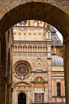 Geometric Splendor, Bergamo Alta, Lombardia, www.fotoamore.com FotoAmore by Jane and Craig Love