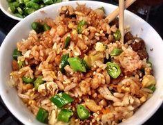 Este arroz japones con salsa de chipotle es tan rico como el de tu restaurante favorito y no creerás lo fácil que es prepararlo.