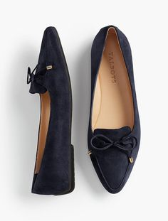 Shop Talbots for modern classic women's styles. You'll be a standout in our Francesca Bow-Front Driving Flats - only at Talbots! Cute Shoes, Me Too Shoes, Shoe Boots, Shoes Sandals, Shoes Uk, Winter Shoes, Mode Style, Beautiful Shoes, Womens Flats